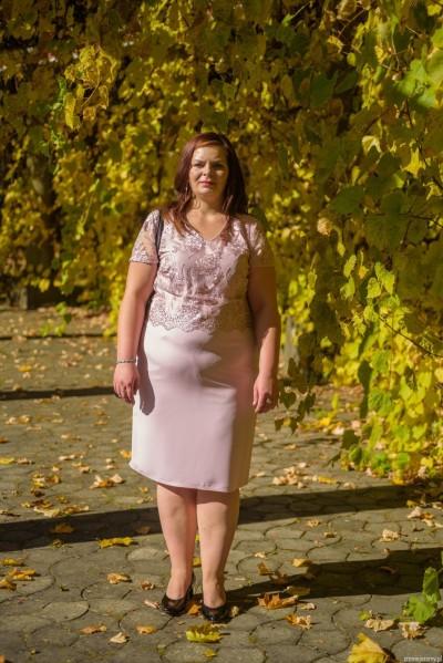 Modna sukienka dla puszystej midi krótki rękaw plus size (rozm. 44-52) polski producent