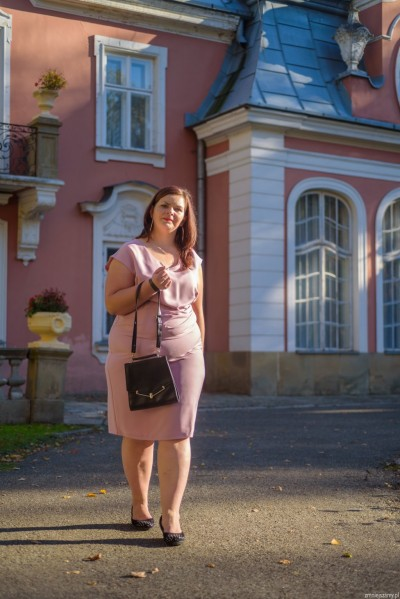 sukienka w wyszczuplająca plus size (rozm. 44-52) polski producent