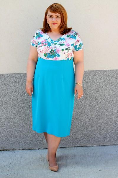 Niebieska sukienka w kwiatki duży rozmiar