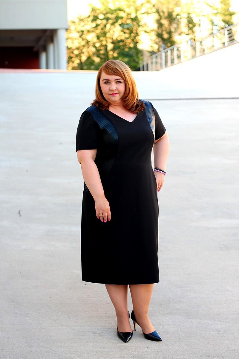 caddece8de Czarna prosta sukienka dla puszystej (rozmiar 44-52)