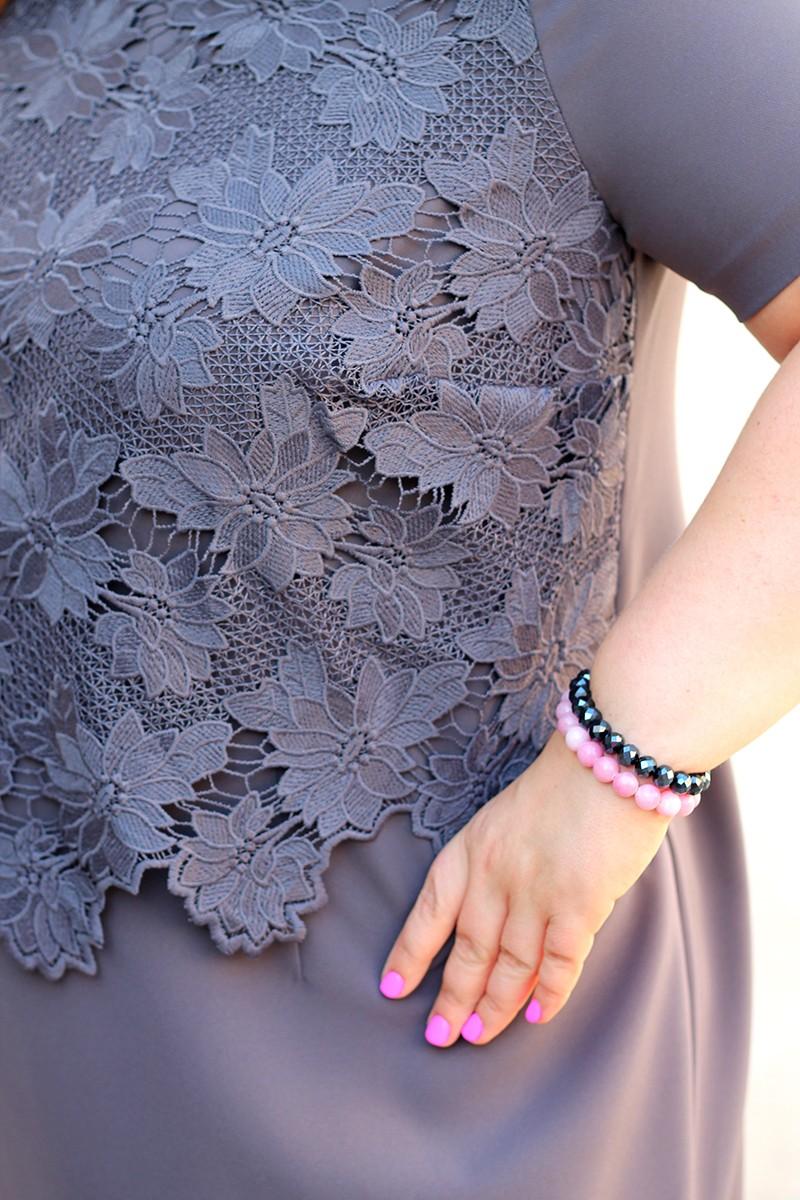 f68d946fe3 ... Sukienka dla puszystych z koronką u góry
