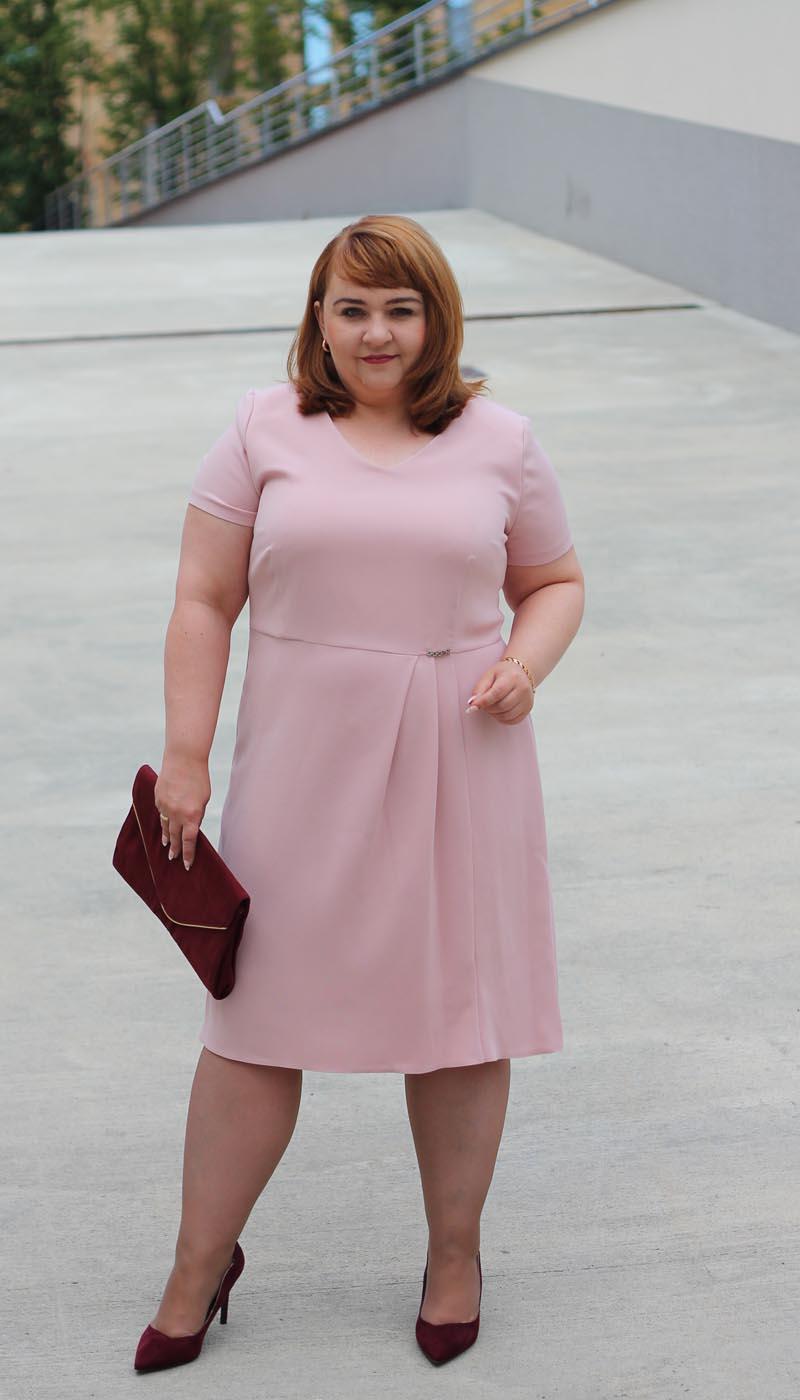 f9d21ec198 Sukieneki dla puszystych kobiet - plus size